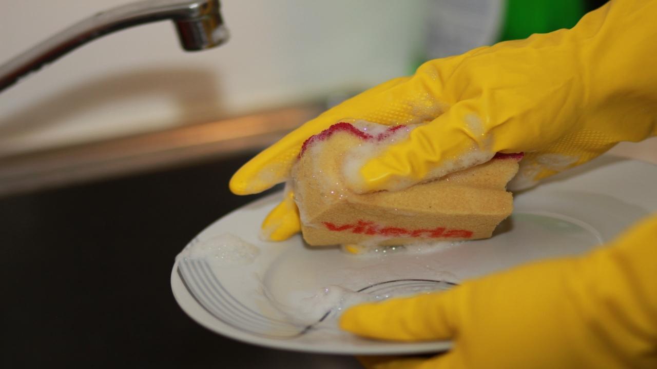Active Cleaning Titre-services femme de ménage faire la vaisselle