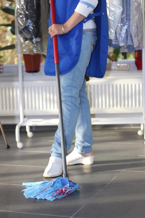 Active Cleaning Titre-services femme de ménage nettoyage sol